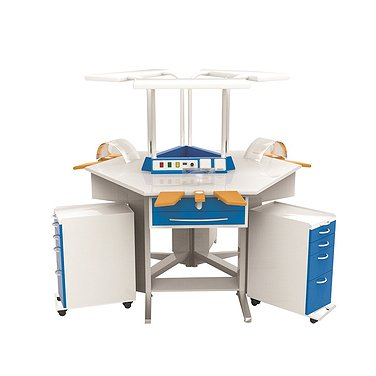 Dental technician table for three workplaces